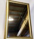 Flot spejl lavet i træ med guldfinish lavet af Lisbeth Dahl.