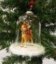 """Sød lille hjort med """"øre-bjælde"""" i en glas klokke til ophæng."""