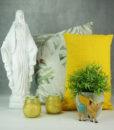 Inspiration-mett-mari-madonna-gris-puder-gul-blomster-370x436