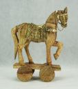 Mett-mari-dekoration-hest-guld-trae-hjul-skulptur