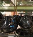 Mett-mari-dekoration-koekken-kande-maelk-floede-blaa-keramik-370×436-1